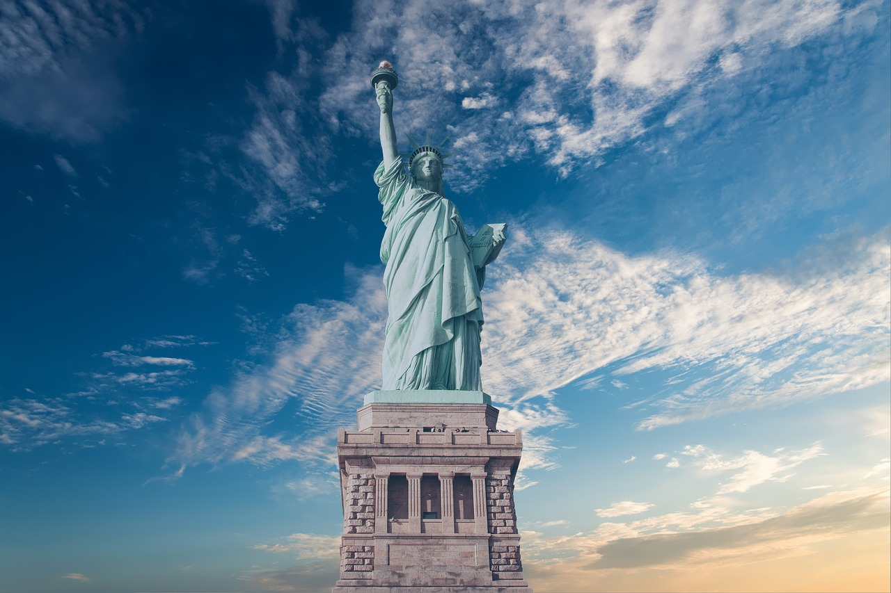 statue of liberty 2114376 1280
